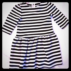 Black and white stripe dress long sleeve